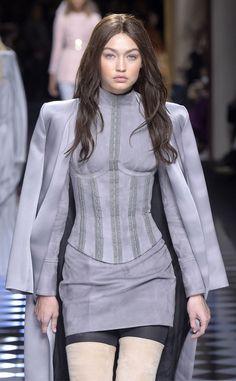 8d5f1a7af2154 Gigi Hadid, Paris Fashion Week, Balmain Balmain Hair, Gigi 2, Desfile De