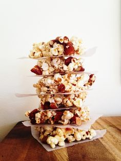 This delicious Popcorn and Almond Crunch recipe is so simple to make and it's fructose-free.