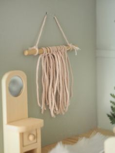 Make your own miniature macrame wall hanging perfect for a dollhouse with this step by step DIY tutorial. Transform a budget Ikea flisat dollhouse using chalk paint and tile stickers and create a beautiful toy fit for a stylish playroom Diy Dollhouse Furniture Easy, Ikea Dollhouse, Diy Barbie Furniture, Modern Dollhouse, Dollhouse Design, Doll House Plans, Miniature Crafts, Diy Craft Projects, Dollhouse Tutorials