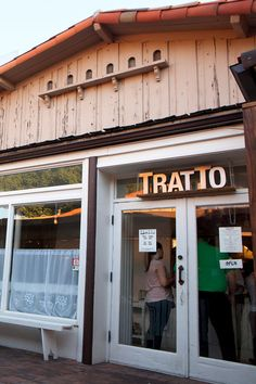 Chris Bianco opened Tratto next to one of his Pizzeria Bianco restaurants in Phoenix. (Photo: David Jolkovski for The New York Times)