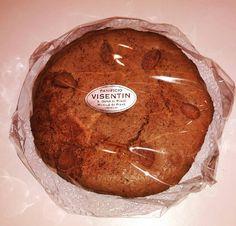 Volete assaggiare un pezzettino della nostra torta? #torta #mandorle #pastadimandorle #artigianale #colazione #merenda #bontàinfinita #delicious