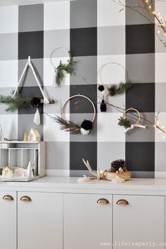 Christmas Home Tour 2018 -Black and White Scandinavian design with a little boho. Lots of natural elements, cozy texture and Christmas twinkle lights. Christmas Home, Christmas Holidays, Christmas Wreaths, Merry Christmas, Christmas Decorations, Boho Kitchen, Craft Night, Twinkle Lights, Diy Wreath