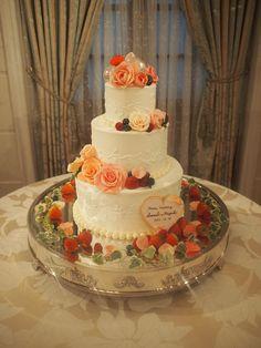 チョコバラと飴細工で豪華なウェディングケーキに。 華やかさが抜群です。