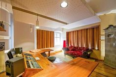 Awesome studio built in a castle, with two delicious diffusors mounted up!