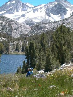 Mosquito Flat trail @ Rock Creek, Inyo N.F., Eastern Sierra. My daughter got her first bee sting at this lake!