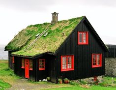 Cabin Porn: Foliage covered green roof in Kirkjubøur, a photo from Faroe Islands Norwegian House, Living Roofs, Cabins And Cottages, Black House, Brown House, Little Houses, Tiny House, House Ideas, House Styles
