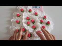 Bu gün ki videoda sizlere baklava dilimli lif modelinin yapımını paylaştım. Yapmak isteyenlere kolay gelsin. Crochet Chart, Knit Crochet, Crochet Patterns, Weaving Patterns, Crochet Videos, Christmas Wreaths, Diy And Crafts, Elsa, Butterfly