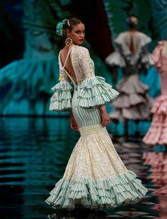 African Wear, African Dress, Fashion Details, Fashion Photo, Flamenco Costume, Fashion Show Themes, Spanish Fashion, Fantasy Dress, Yes To The Dress