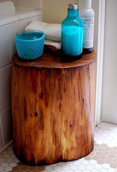 DIY Tree Stump Table: remove the bark, lightly sand and then seal (with poly, or beeswax) Tree Stump Table, Tree Stumps, Log Table, Wood Stumps, Tree Stump Decor, Tree Trunk Coffee Table, Porch Table, Corner Table, Coffee Tables