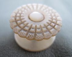 ANTIQUE VICTORIAN CARVED MOTHER OF PEARL MOP SEWING NEEDLEWORK WAXER c1860