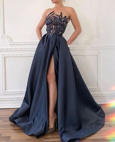 7 Versatile Dress Styles For the Minimalist Bride Versatile dress, Dresses You Can Actually Wear After Your Wedding Day Baby Girl Party Dresses, Girls Dresses, Prom Dresses, Elegant Dresses, Pretty Dresses, Beautiful Dresses, Plus Size Gowns Formal, Formal Gowns, Formal Wear