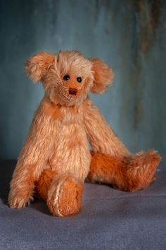 Hi all! I am Veyra, a very special bear of the latest Muppie's Bears Autumn 2020 collection. My soft orange, authentic dense Schulte mohair makes me unique and irresistible! Height standing: 34 cm (13.4 inches) Height sitting: 23 cm (9.1 inches) Looking forward to meet my adoption family soon!!! Little Gifts, Bears, Adoption, Teddy Bear, Meet, Autumn, Orange, Unique, Animals