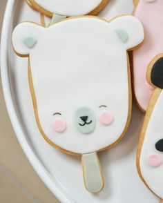 """How cute is this?@mysweetdear:  ... It's polarpop-day in my kitchen today! :) Lots of these cute guys are getting ready to make somebody smile! #mysweetdear #eeflillemor #eeflillemorcookies #sugarcookies #polarbear #polar #polarpop #cookies #cookielove #kawaii #kawaiicookies #lovetobake #giveaway #cookiegifts #cookiegiveaway"""""""