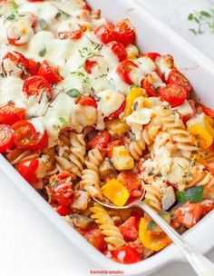 Macaroni casserole with vegetables and mozzarella - zdrowe odżywianie - Makaron Macaroni Casserole, Cooking Recipes, Healthy Recipes, Healthy Food, Mozzarella, Food Inspiration, Food Porn, Dinner Recipes, Food And Drink