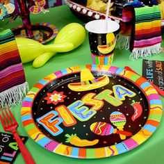 Bright and colourful Mexican fiesta party supplies for Cinco de Mayo, Day of the Dead or a summer party or barbecue. Mexican Fiesta Birthday Party, Fiesta Theme Party, Party Themes, Party Ideas, Mexican Fiesta Decorations, Diy Party Decorations, Birthday Party Venues, Party Tableware, Party Supplies