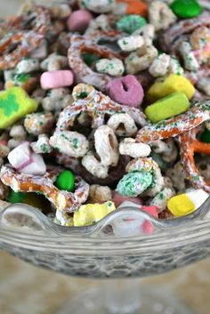 Lucky Charm snack mix for st patricks day
