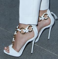 ec80363cfe78 Ashley Tisdale in Giuseppe Zanotti Gold-Ring Sandals