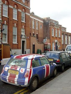 Union Jack mini. I WANT.