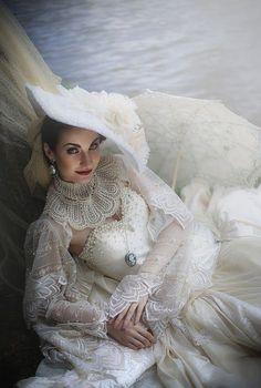 Victorian beauty by Jackie Tan Lye Hock Mode Steampunk, Steampunk Wedding, Steampunk Costume, Steampunk Fashion, Victorian Gown, Victorian Fashion, Vintage Fashion, What Is Femininity, Goth Art