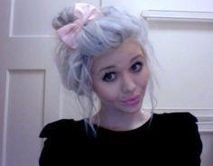 Love her hair :D