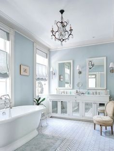 White Master Bathroom, Blue Bathroom Decor, Bathroom Styling, Bathroom Interior Design, Bathroom Ideas, Master Tub, Blue Bathrooms Designs, Grey Bathrooms, Beautiful Bathrooms