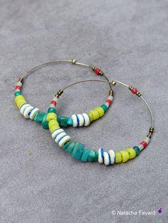 www.cewax.fr aime ces Créoles ethnique amazonite onyx vert perles artisanales africaines jaune rouge écru Ghana Afrique acier bronze boucles d'oreilles France