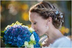 Autumn wedding portraits #wedding #bride #portraits #outdoor #hydrangea #brideportrait #bouquets #fall #weddingportraits #autumn #fall #october #nature #naturallight #ocean #swedish #weddingphotographer Höstbröllop Mölle  Skåne, Sweden. [Photo by Anna Lauridsen Kullafoto]