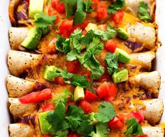 Skinny Chicken Enchiladas Chicken, homemade red enchilada sauce, and cheese combine with better for you ingredients. They are full of amazing flavor and you don't have to compromise on taste! If there is one thing I… Veggie Wraps, Asian Turkey Lettuce Wraps, Carnitas, Barbacoa, Healthy Dinner Options, Healthy Dinner Recipes, Mexican Food Recipes, Healthy Meals, Delicious Meals