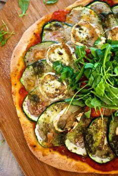 La cocina de Laura Carretero: Pizza de Calabacines y Queso de Cabra al Pesto (Thermomix)