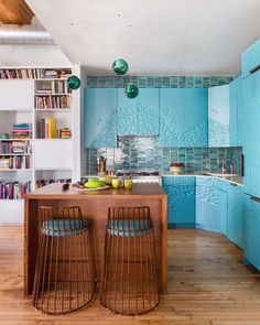 After 16 years, Hilary's Park's apartment had gone from airy to claustrophobic. She turned to Homepolish to instill a new sense of order.
