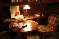 【1駅1カフェ】iriya plus cafe~東京都台東区入谷駅~ Cafe Interior, Room Interior, Interior Design, Interior Lighting, Lighting Ideas, Forest House, Japanese House, Cafe Design, Cafe Restaurant