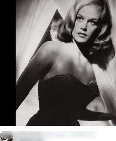 ヒルデガルド・ネフという女優をご存じですか?憂いを帯びた大きな瞳が特徴的で、1951年に『罪ある女』でドイツ映画で初ヌードになった女優としても有名です。当時は女優が映画の中でヌードになるのは大変な事件...