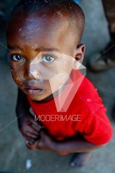 Criança triste/Sad child by Hugo Macedo – Moderimage