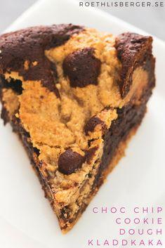 Sukkerfri chocolate chip cookie dough-innbakt kladdkake fra Fanny Roethlisberger | Sukkerfri dessert | Sockerfri kladdkaka | Kladdkaka recept | Kladdkake oppskrift | Sukrin | Sunn dessert | Sunn kake | Sjokoladekake oppskrift