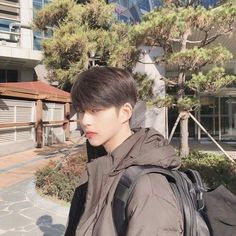 suho from true beauty on webtoon Korean Boys Hot, Korean Boys Ulzzang, Korean Couple, Ulzzang Couple, Ulzzang Boy, Korean Men, Korean Girl, Cute Asian Guys, Asian Boys