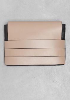& Other Stories | Layered leather clutch  | Beige Dark
