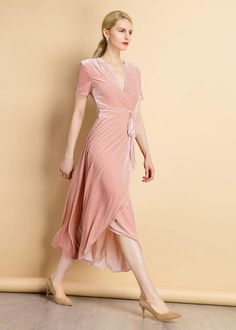 Vintage Silk Velvet Wrap Dress - vintage silk velvet wrap dress velvet peach xs Source by Saracett - Elegant Dresses, Vintage Dresses, Dress Outfits, Fashion Dresses, Fashion Top, Ladies Dress Design, Silk Dress, Silk Skirt, Dresses Online