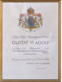 In 1952, the King Gustav VI Adolf of Sweden selected Hästens as the bed supplier of the Royal Court. And ever since, with a new two new generations taking over the operations of Hästens and the Carl XVI Gustaf, the son of Gustaf VI Adolf, inherited the throne, Hästens have had the pleasure of purveying the Royal Court and the royal family.