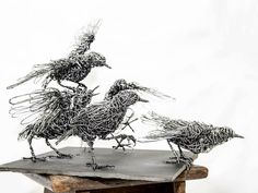 Wire Sculptures Resembling Energetic Line Drawings Capture Animals' Graceful Movements - Art - Sculpture - Skulptur Sculptures Sur Fil, Animal Sculptures, Wire Sculptures, Sculpture Metal, Abstract Sculpture, Scrap Metal Art, Art Nouveau, Line Drawing, Animal Drawings