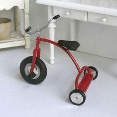 Hand-Made-Metal-Red-Tricycle-that-WORKS-by-Sir-Thomas-Thumb-Dollhouse-Miniature