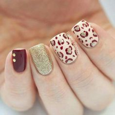 Holiday leopard nails