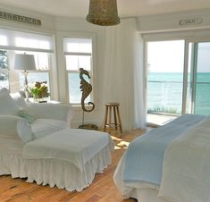 Pure White Decor in a Remodeled Vintage Beach Cottage on Anna Maria Island - Beach Bliss Living Beach Cottage Style, Beach Cottage Decor, Coastal Cottage, Coastal Living, Cottages By The Sea, Beach Cottages, Interior Exterior, Interior Design, Dream Beach Houses