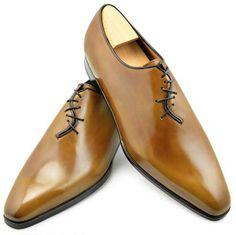 El modelo de zapato Crazy Lace de la Maison Aubercy representa por si solo toda la fuerza, la personalidad, el savoir-faire y la creatividad de la marca. Aub...