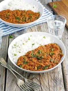 Vegan Red Lentil and Spinach Tikka Masala {tomatoes, lentinls, onion, spinach, garlic, garam masala, cumin, coriander, sweet paprika, turmeric, cayenne pepper, coconut milk }