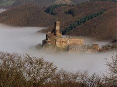 Ehrenburg (Brodenbach) Castle in the Mist