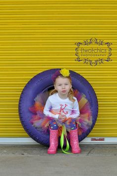 Love this.    Tutu picture that still looks cute for the older girls too.  Emmarie would like this.