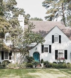 Front Door Colors With Black Shutters Flower Boxes 34 Ideas Teal Front Doors, Cottage Front Doors, Painted Front Doors, Front Door Colors, French Country Exterior, Modern Farmhouse Exterior, French Country Cottage, Country Style, White Exterior Houses