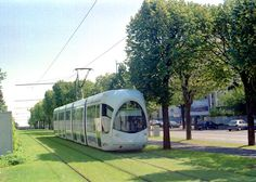 Lyon-tram3a.jpg (800×570)