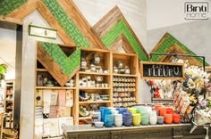 Wooden wall with etnic look at Anthropologie Los Angeles, Photography Binti Home Blog
