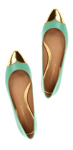 Mint & gold pointy toe flats. #flats #shoes #mint